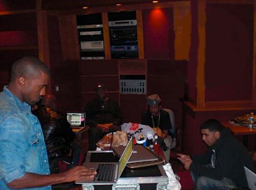 Kanye West ft  Lil Wayne x Big Sean x Drake – All Of The Lights