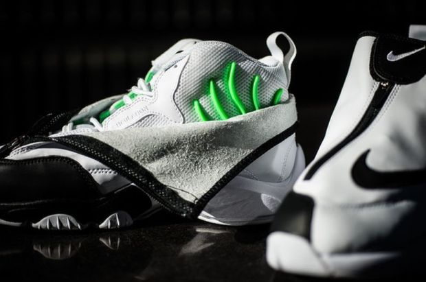 "50e9eb5601c3 Nike Zoom Flight Glove ""Poison Green"""