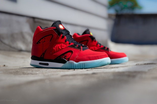 """new style accd2 ae630 Nike Air Tech Challenge Hybrid """"Chilling Red"""""""