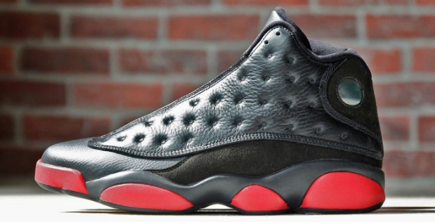 air-jordan-13-retro-black-red-11-700x357
