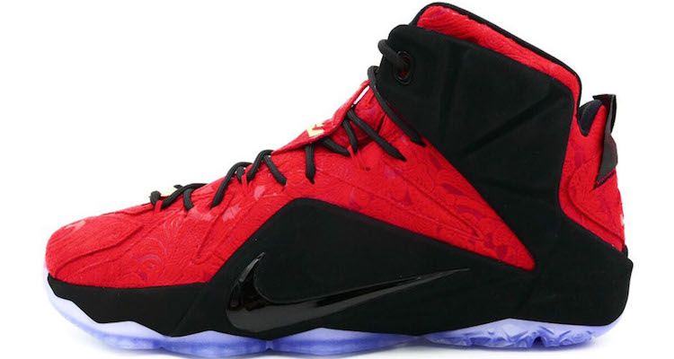 nike-lebron-12-ext-red-paisley-another-look-1