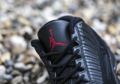 Air-Jordan-11-Low-Black-Red-referee-release-reminder-3