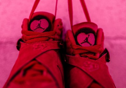 valentines-day-air-jordan-8-retro-red-suede-7