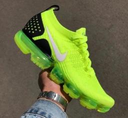Nike-Air-VaporMax-2-Volt-Black