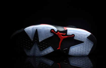 air-jordan-6-black-infrared-retro-2019-15