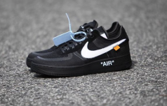 OFF-WHITE-x-Nike-Air-Force-1-Low-Black-6